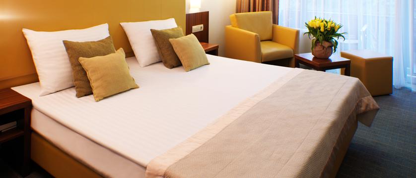 HotelPark_doubleroom_twin_04_052017_MB (2).jpg